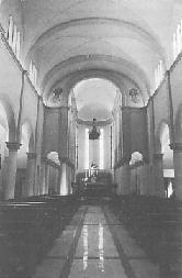 l'interno dopo il restauro